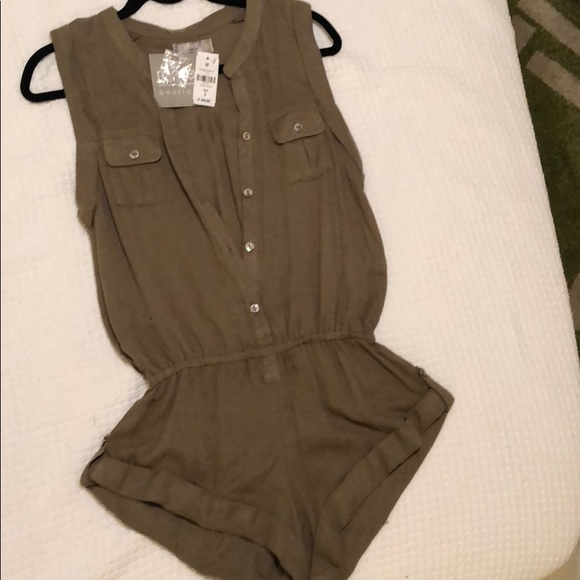 d97a28449d1d NWT  144 LF Army green olive utility romper S